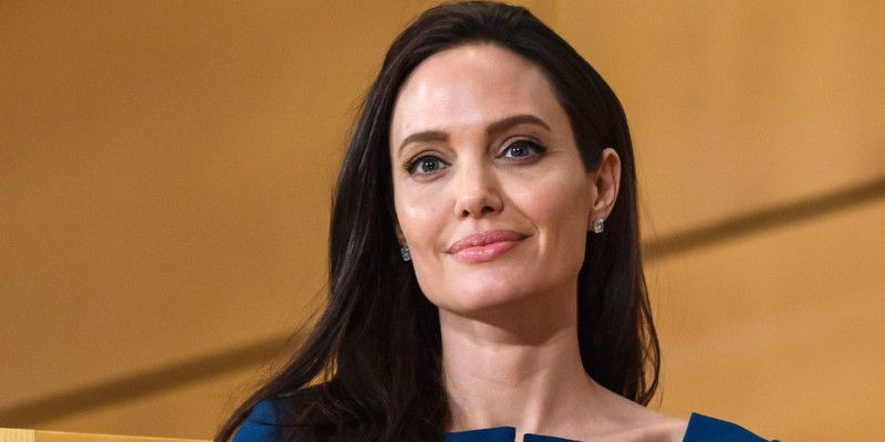 Ultimate Trivia Quiz On Angelina Jolie! How Much You Know About Angelina Jolie?