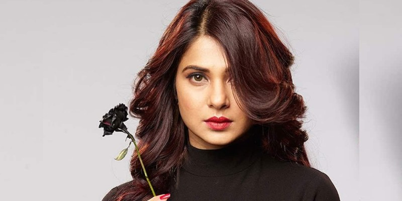 Quiz: How Well Know About  Jennifer Winget?