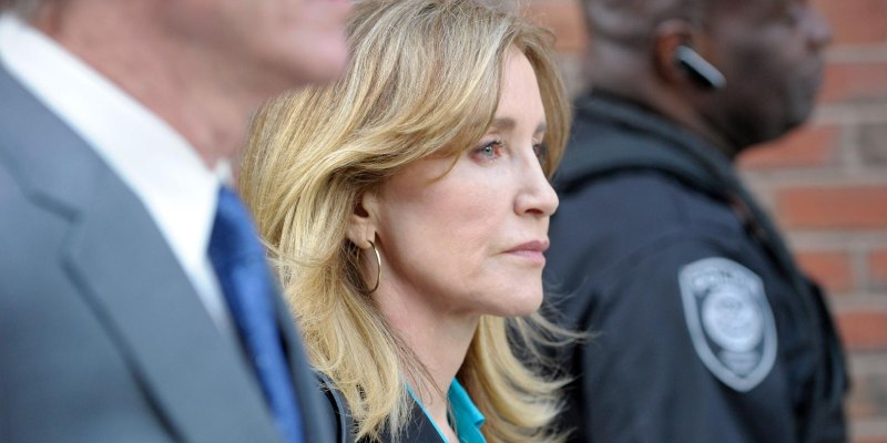 Quiz: How Well You Know About Felicity Huffman?